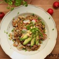 Kerniger Kräuter-Dinkelsalat mit Avocado, Radieschen und Frühlingszwiebel