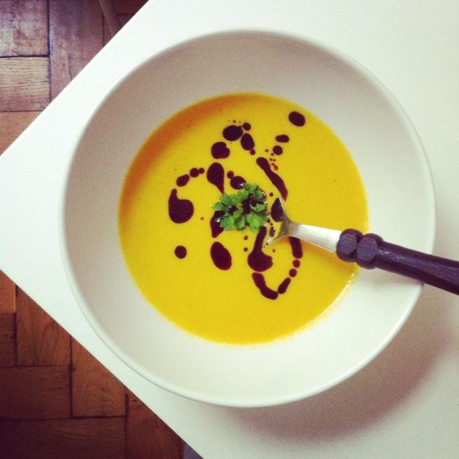 Orangen-Karottensuppe
