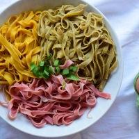 Dreifarbige Pasta selbstgemacht - Mit Rote Rüben, Kurkuma und Bärlauch
