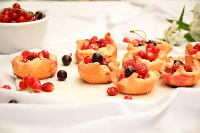 Topfengolatschen mit Beeren